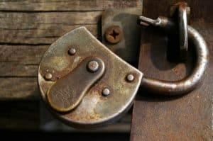 """""""Die bestverschlossene Tür ist die, welche man offenlassen kann."""""""